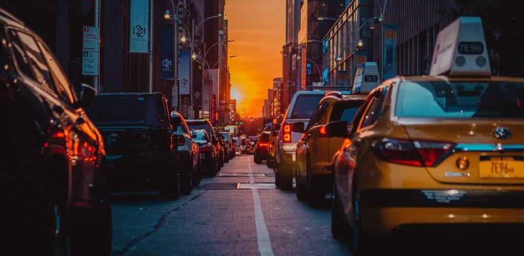 110-1108423_4k-new-york-city-street-traffic-jam-manhattan